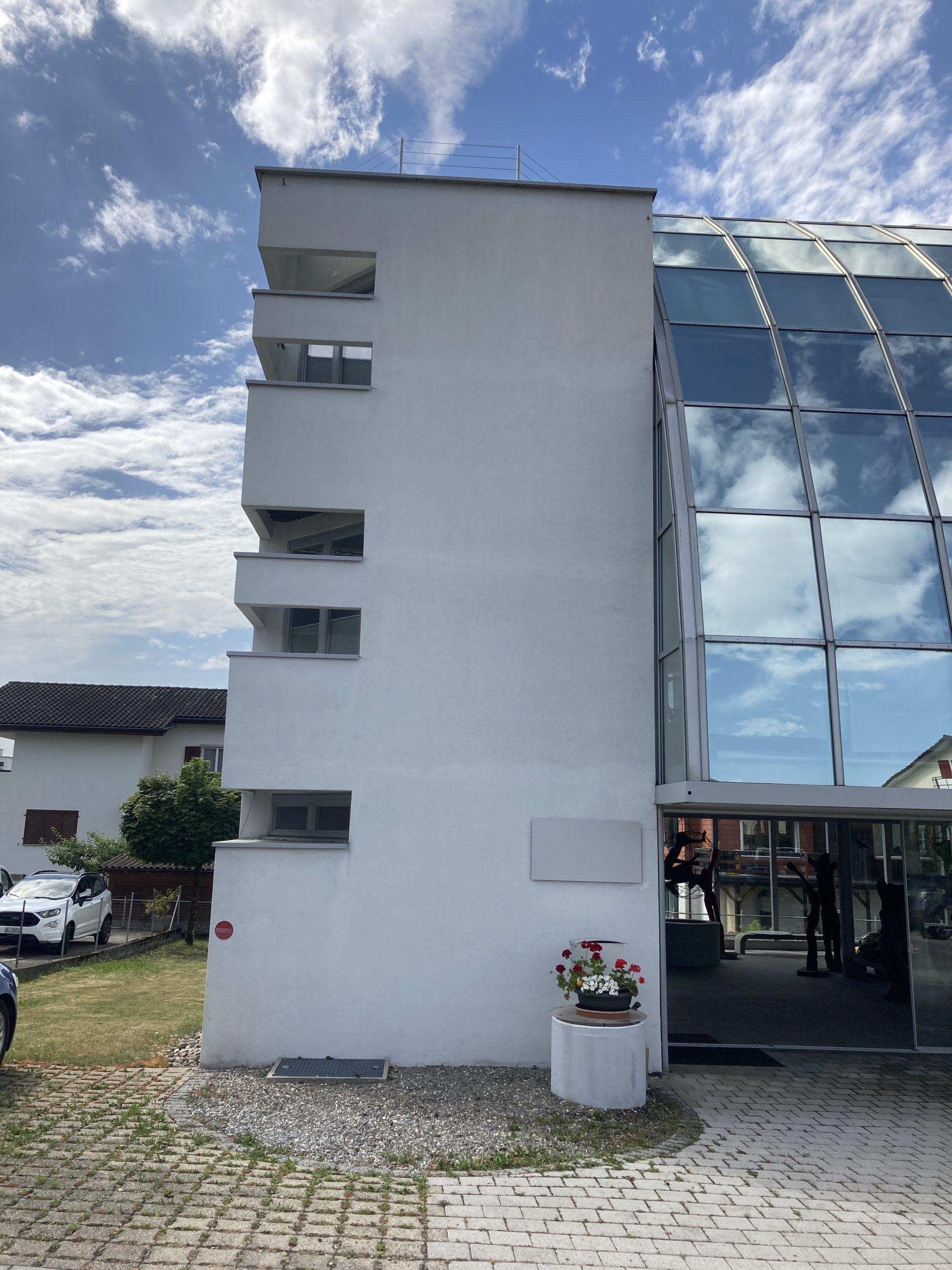 https://www.koster-gs.ch/wp-content/uploads/2021/07/Reichmuth-1-Fassade-Ost-nachher-scaled.jpg